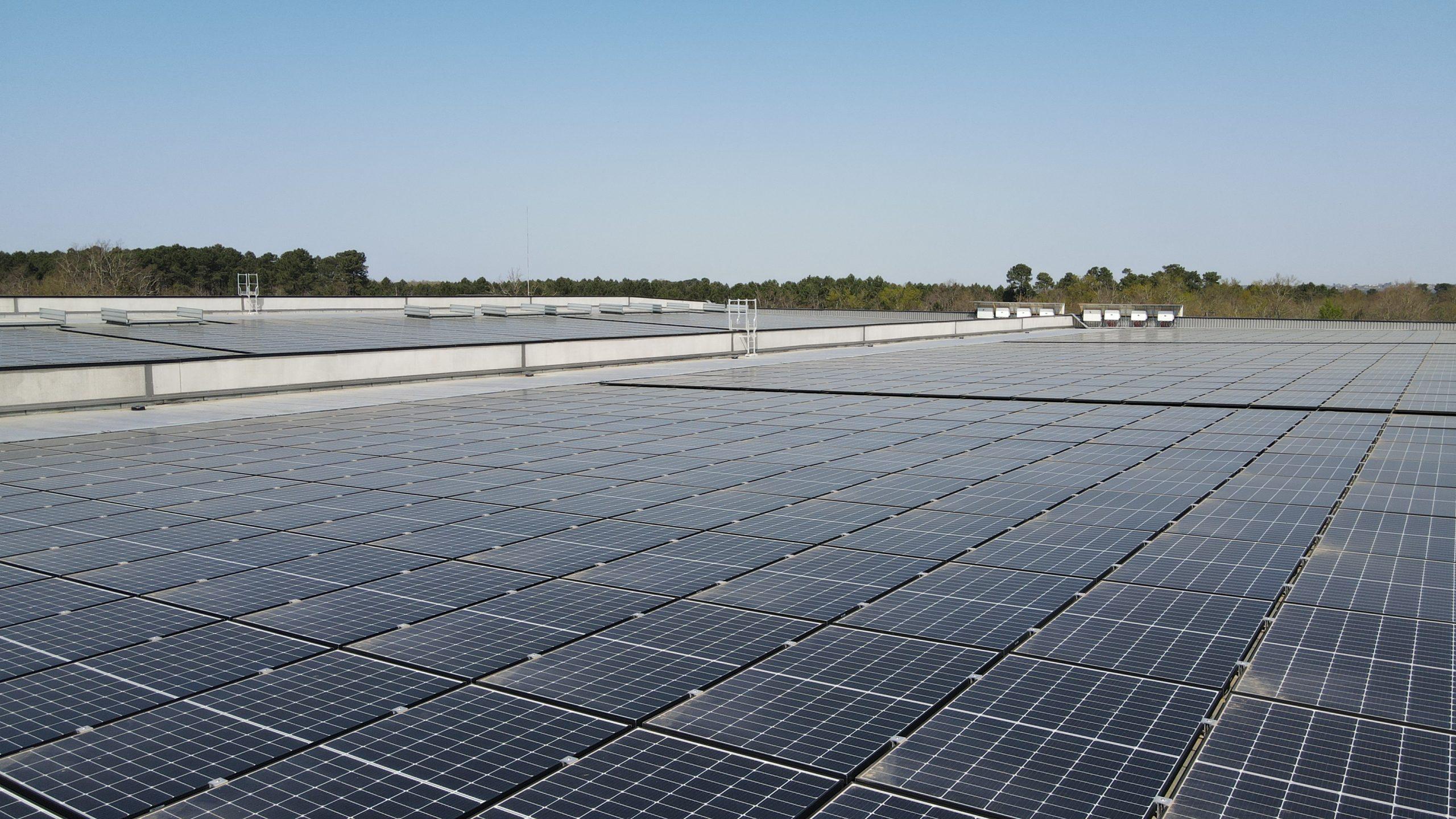 2006 : SMAC se positionne sur le marché de l'énergie photovoltaïque