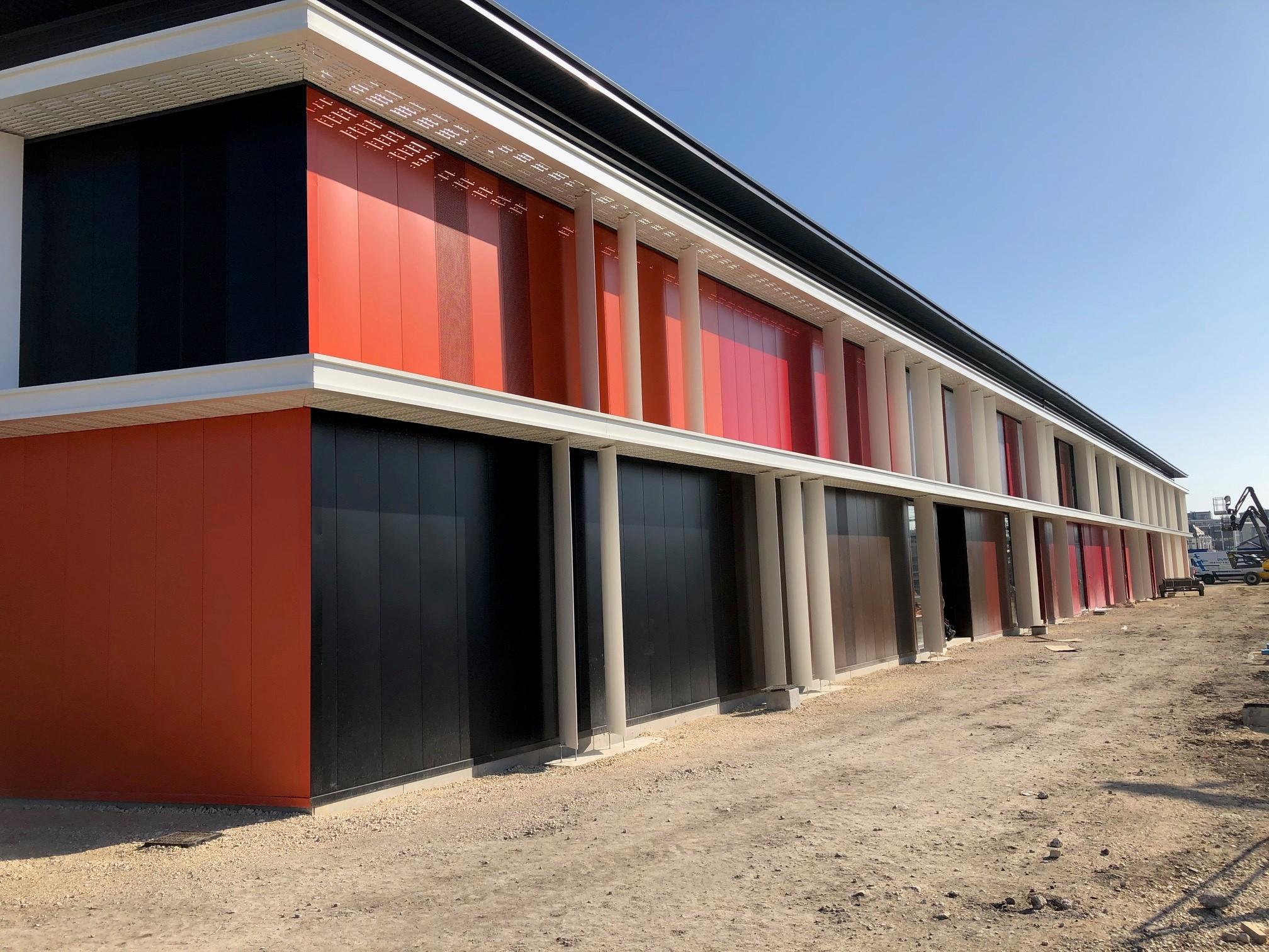 Réalisation d'une façade par l'équipe SMAC BLOIS